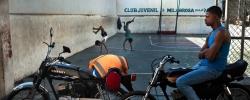 Les habitants du quartier précaire et vulnérable aux inondations de la Barquita vont être relogés à la Nueva Barquita grâce à un programme financé par l'AFD. Saint-Domingue Est, République Dominicaine. 7 septembre 2015. ©Benjamin Petit/AFD
