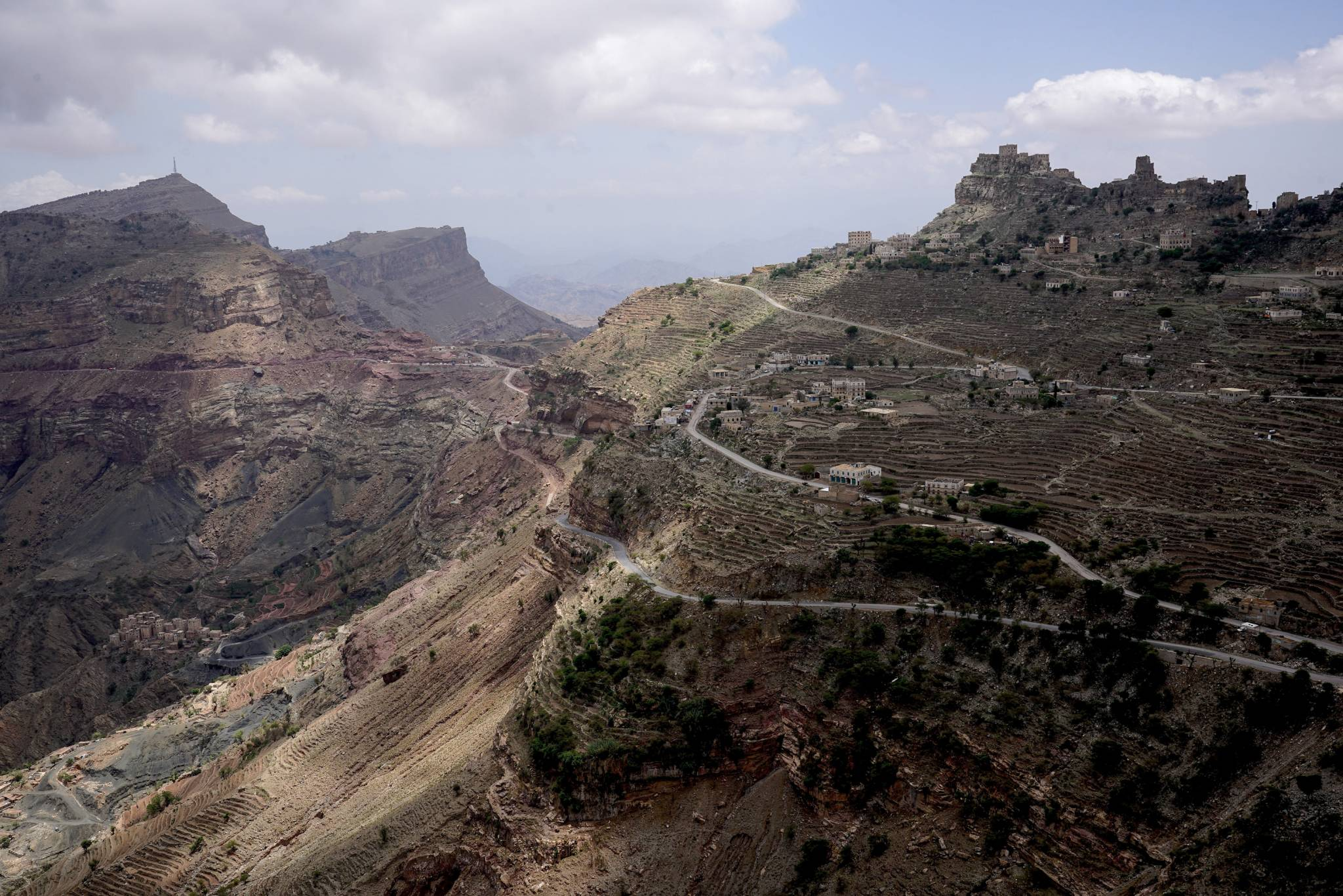THE ROAD TO HAJJA, YEMEN - 3 MAY 2017.