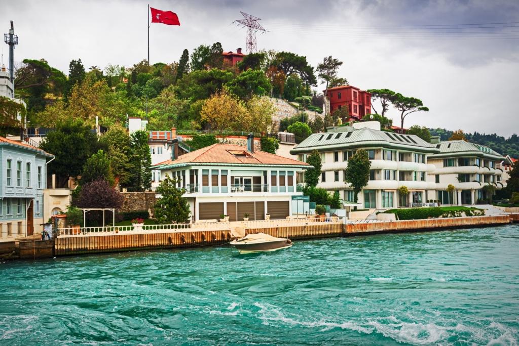 Villas of the Rich