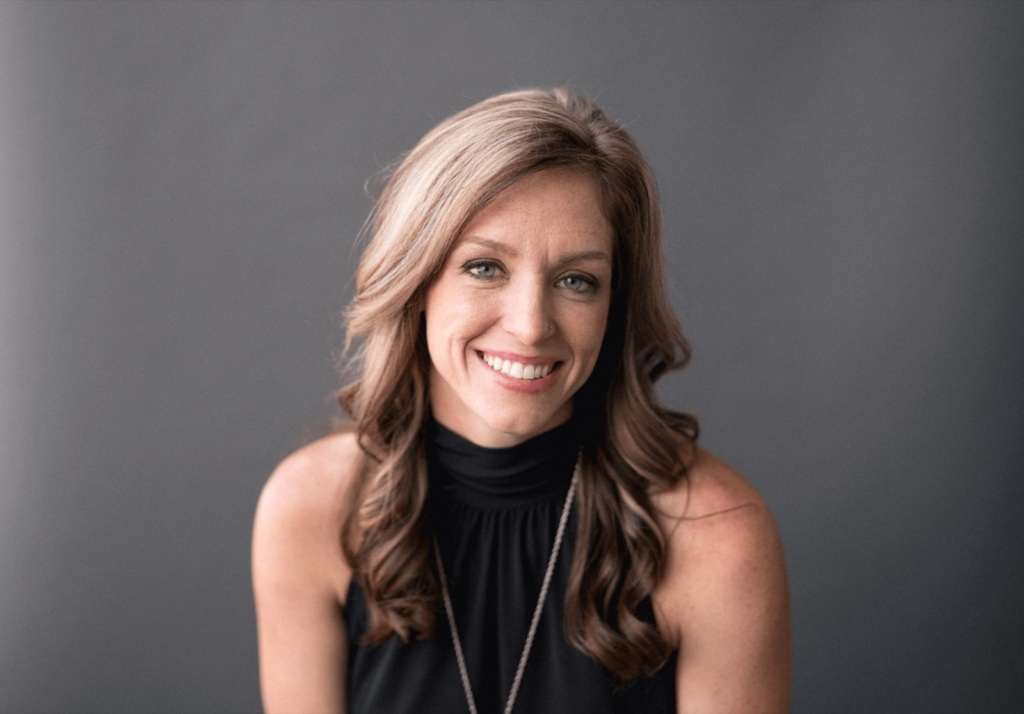 Rachel Brenke is an author, photographer, lawyer, and business consultant for photographers and bloggers.